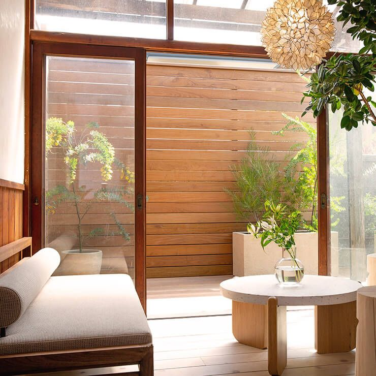 japan-store-relax-area